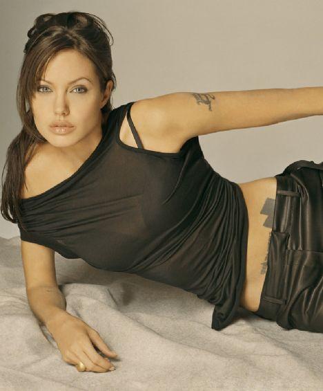Jolie'nin şok pozları - 24
